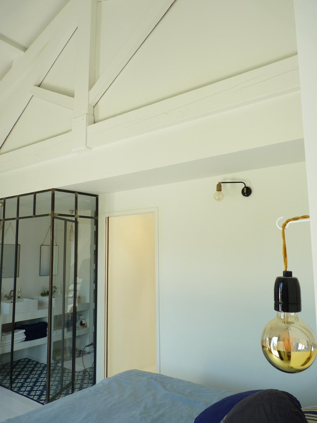 Transformation « deux maisons en une » : chambre-charpente-deco-architecture-design-azzaro-architecte-min.JPG