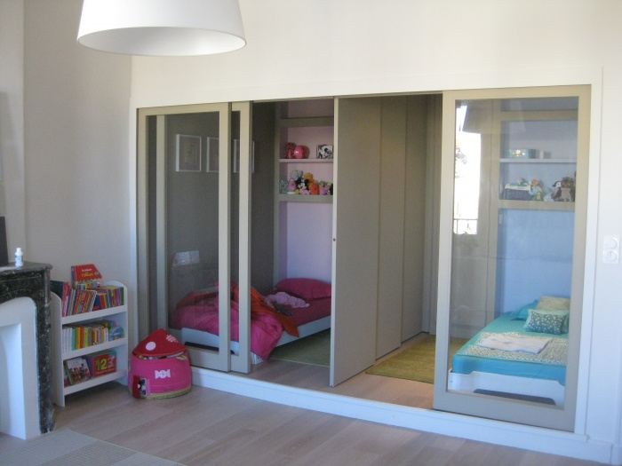R novation d 39 un 3 fen tres marseillais marseille for Separation chambre enfant