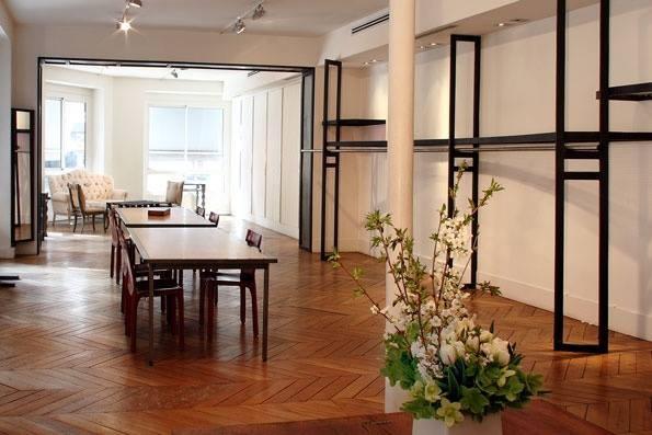 Showroom by (paris) : 2