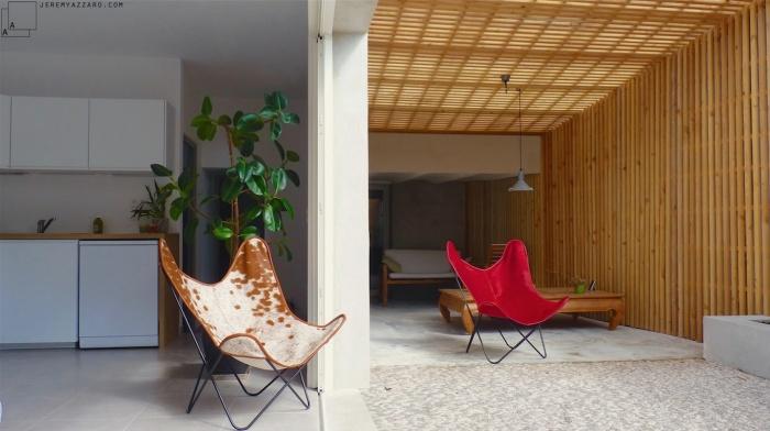 Création d'un Loft « l'Appartement Jardin » : renovation-loft-terrasse-marseille-pergola-contemporaine-claire-voie-fauteui-aa-jeremy-azzaro-architecte