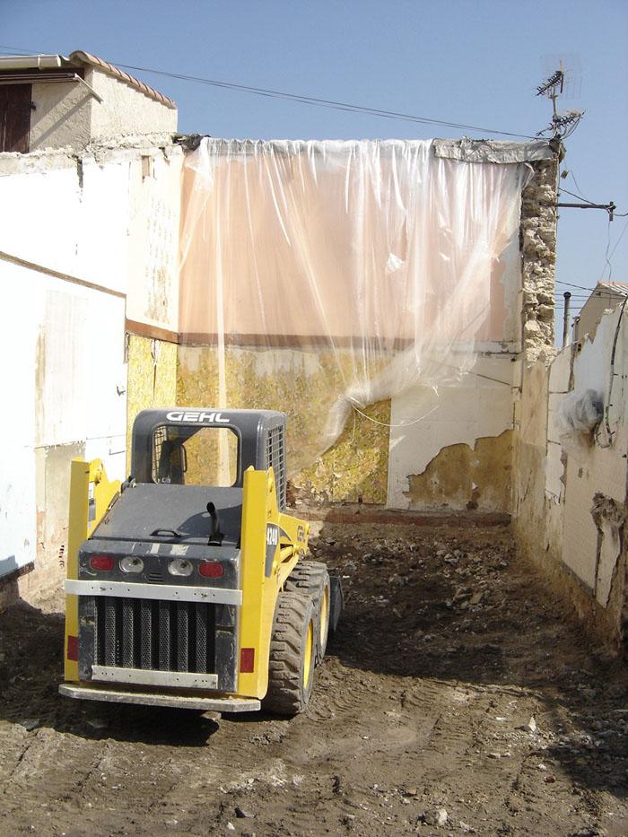 mur en démolition